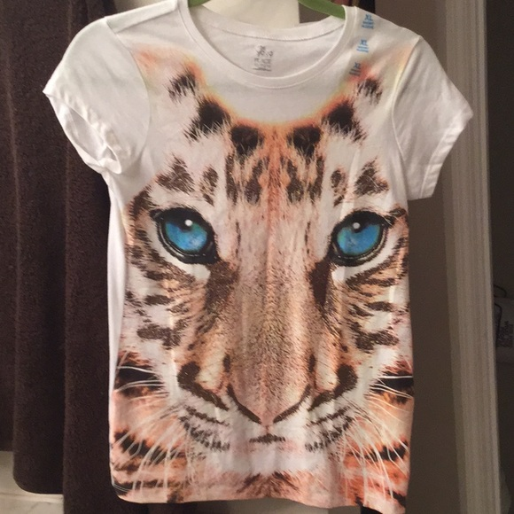 Other - NWT Child's tee shirt with cat face